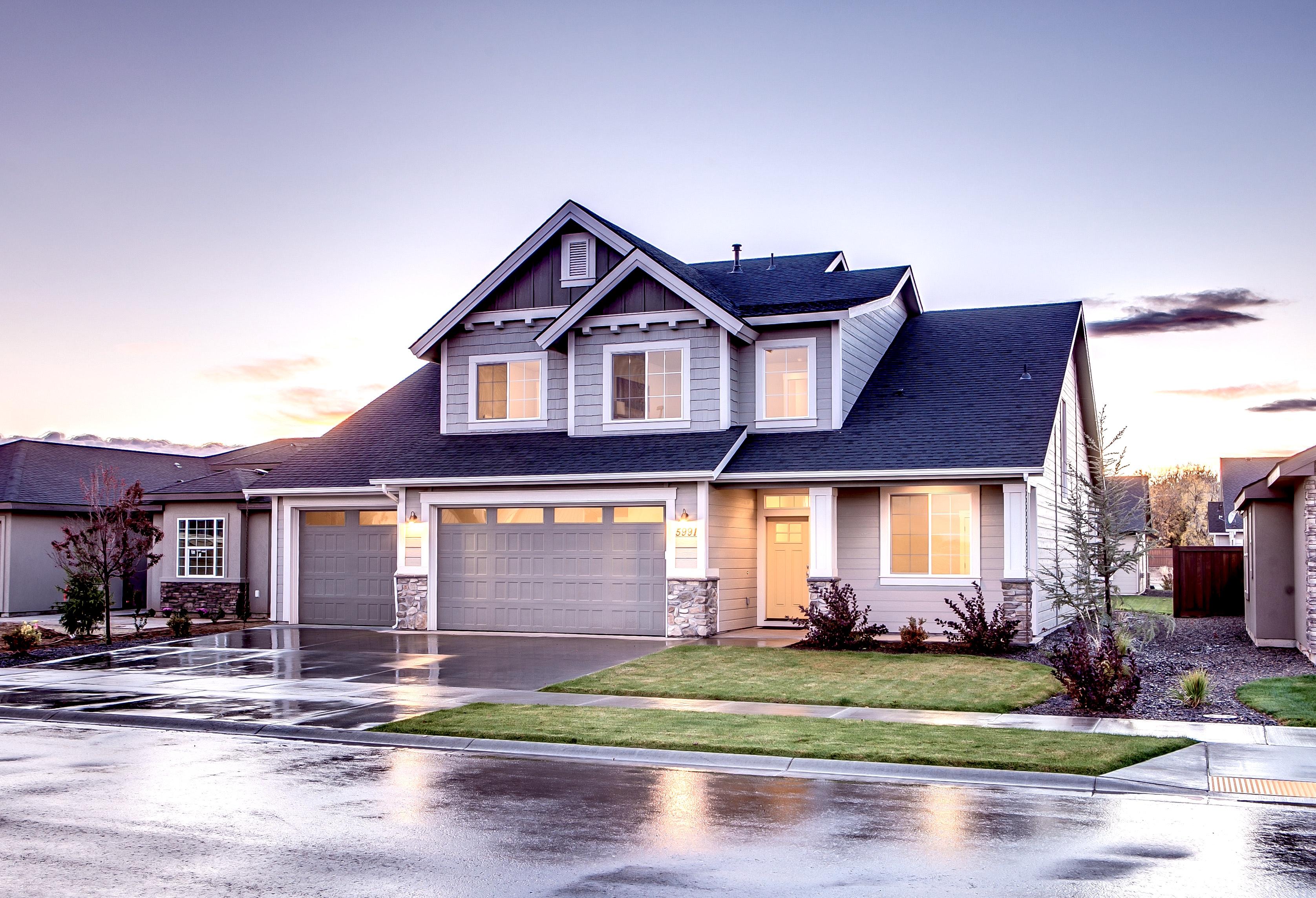 model home 3 car garage